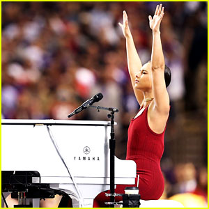 _alicia-keys-super-bowl-2013-national-anthem